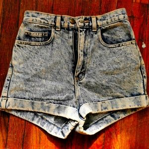American Apparel Shorts, 28